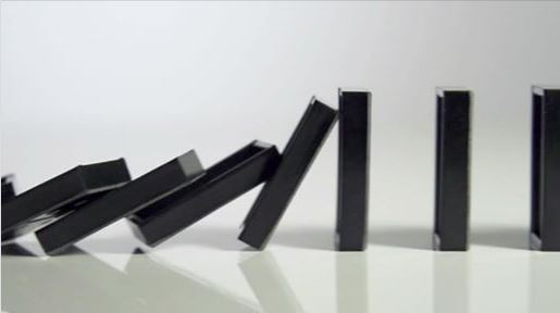 falling-dominos